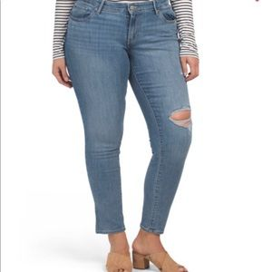 NWT Levi's Plus 711 Skinny Outta Time Jeans